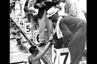 Az olimpiai bajnok úszó és a végzetes bombatámadás