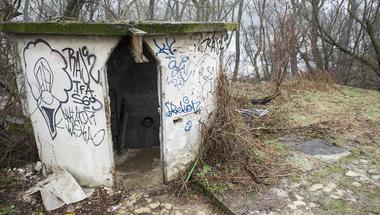Egyelőre rejtély, hogyan halt meg a szentendrei szivattyúházban talált két ember