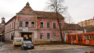 Felmondták a Dunakorzón álló, szétbombázott ház koncessziós szerződését