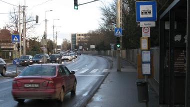 Kiírták a közbeszerzést: teljes felújítás lesz a 11-es út szentendrei szakaszán
