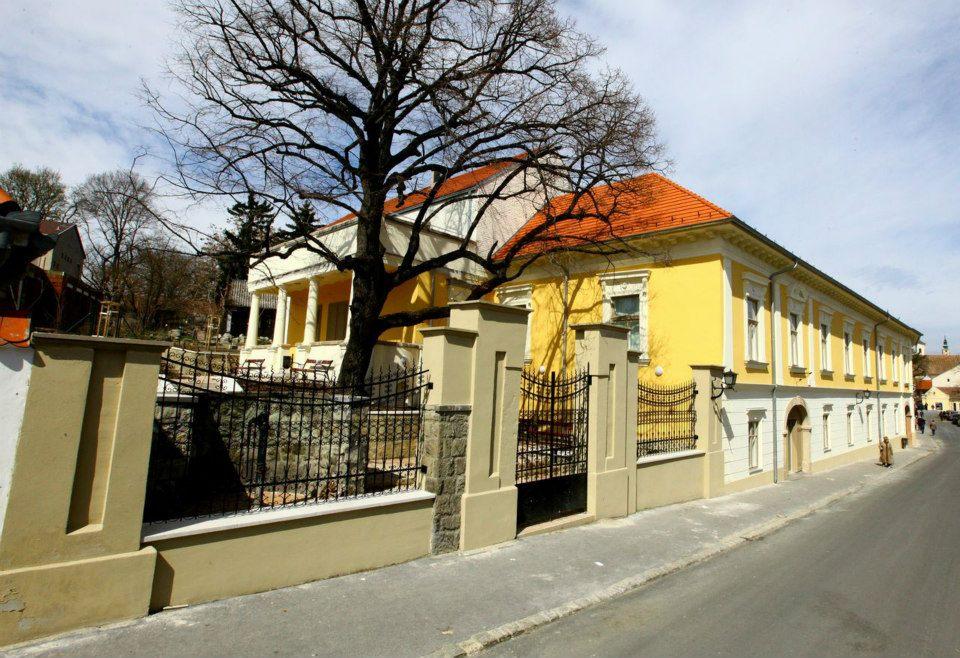 Újabb 25 millió forinttal támogatják a Ferenczy Múzeumi Centrumot