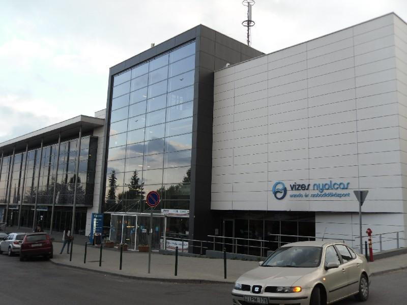 Zsebébe nyúlt az önkormányzat - 50 milliót kap a V-8 üzemeltetője