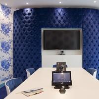 A Google új londoni irodája - bársony dühöngővel, nagyi fotelekkel