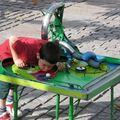 Macivarrás, elektronikai bütykölde, katalán egyensúlyozó játékszobrok