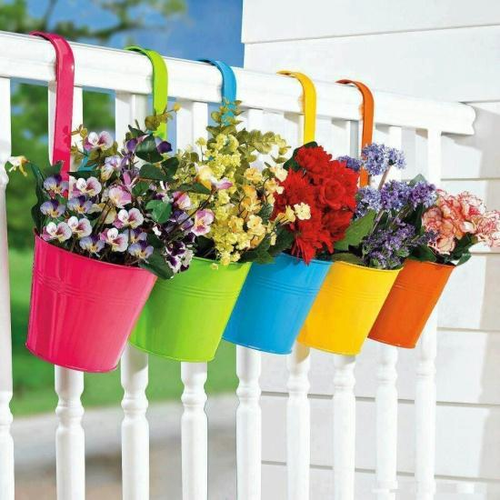 balcony-decorating-summer-flowers-hanging-planters-8.jpg