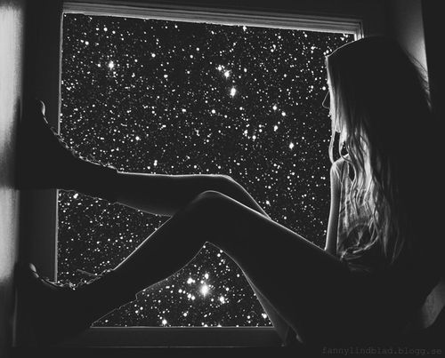 alone-black-and-white-girl-lonely-favim_com-826222.jpg