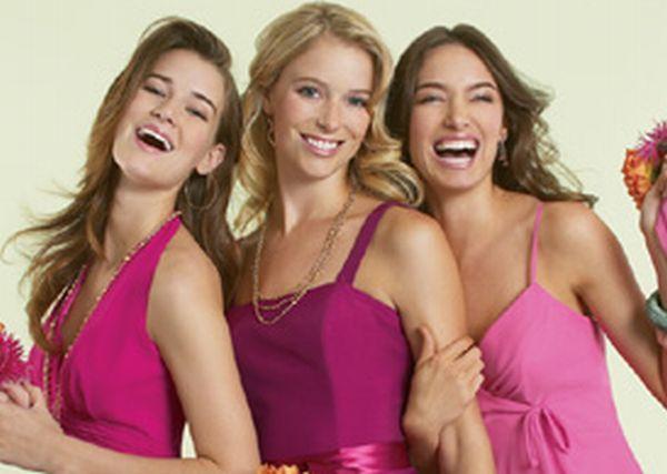 Платья подружек невесты: модные тренды 2012.