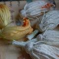 Cukkinivirág sörtésztában, bazsalikomos tésztával