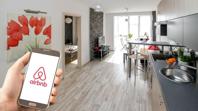 80127_copy_1_airbnb02.jpg