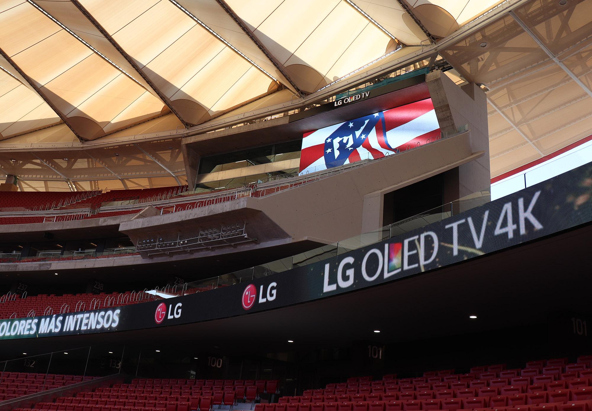 lg_signage_at_atletico_de_madrid_3.jpg
