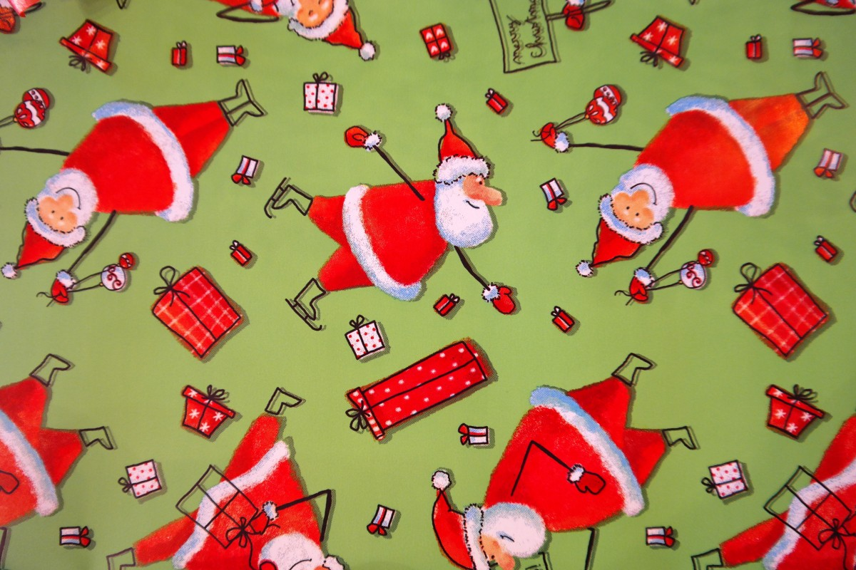 wrapping_paper_santa_clauses_funny_green_red_gift_made_packed-1243914_jpg_d.jpg