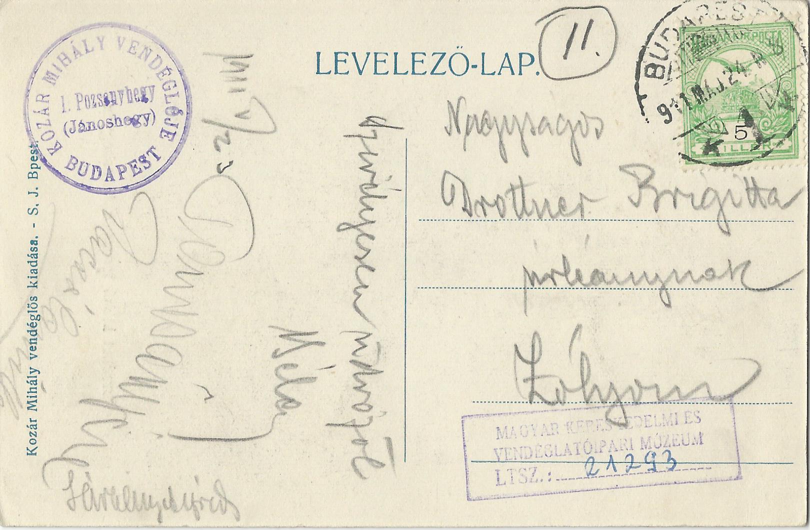 """Kozár, a Libegő mai felső végállomásának helyén álló Jánoshegyi vendéglő bérlőjeként jelentős szerepet vállalt a """"messzelátó"""" népszerűsítésében. Az ő kiadásában jelentek meg az első képeslapok a főváros akkortájt legújabb nevezetességéről."""