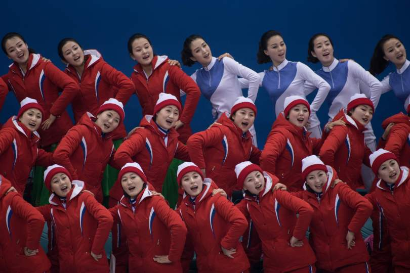 22-north-korean-cheerleaders.jpg