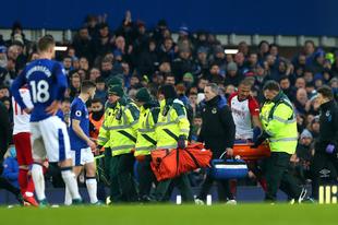 Walcott gólpasszal debütált, McCarthy súlyos sérülést szenvedett