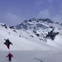 Királyság videón - Wingsuittal a síelők felett