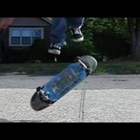 Tripla kickflip lassítva