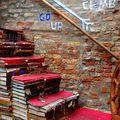 Lépcsővel a világ körül