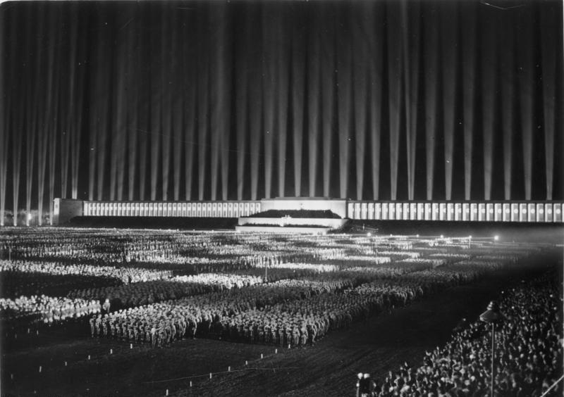 bundesarchiv_bild_183-1982-1130-502_nurnberg_reichsparteitag_lichtdom.jpg