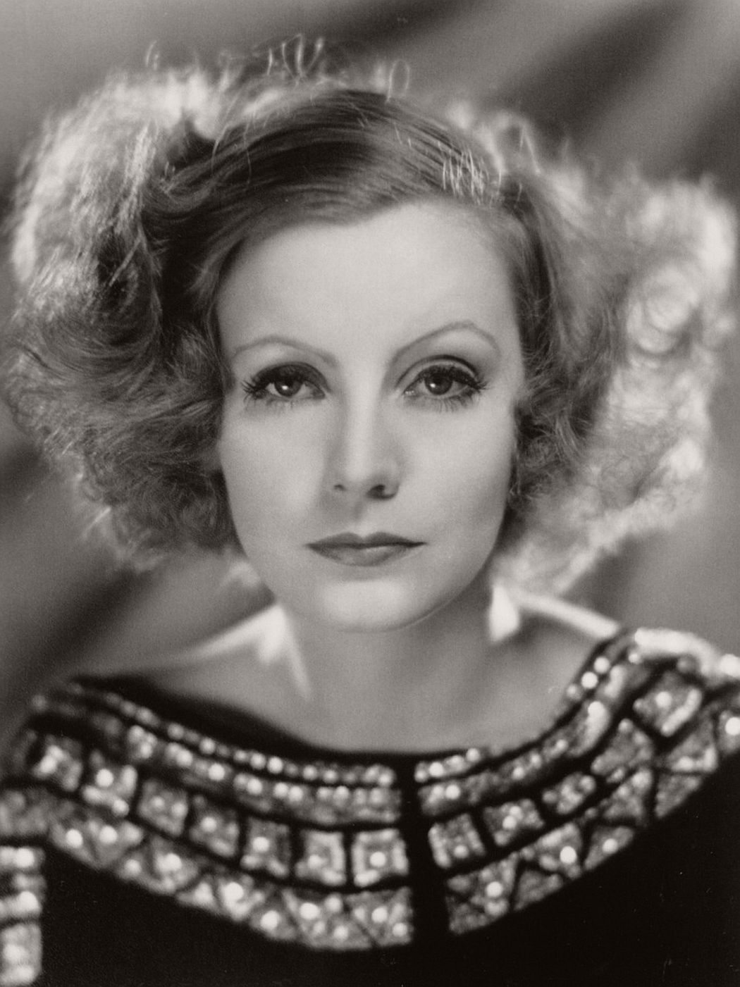 vintage-greta-garbo-portraits-1920s-1930s-12.jpg