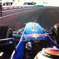 Vettel autója füstölt a rajtnál