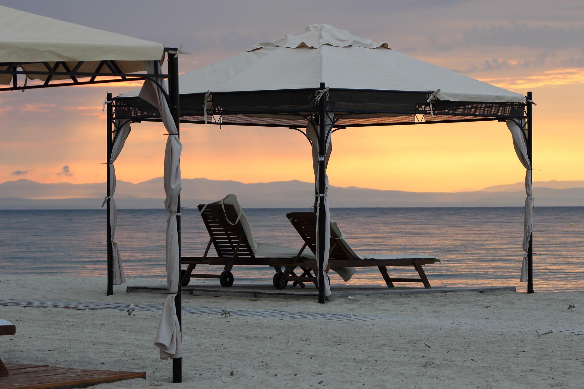 beach-820210_1920.jpg