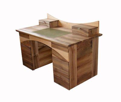 dió íróasztal