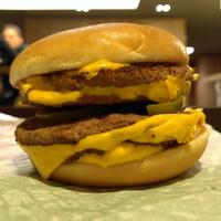 Barbecue vagy Jalapeno Sajtburger? Legyen mindkettő!