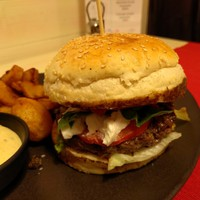 Bivaly Caprese Burger