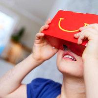 VR szemüveg a Mekiben