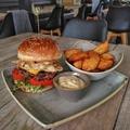 Négy sajt egy burgerben? - 4 Sajtos Brutál Burger