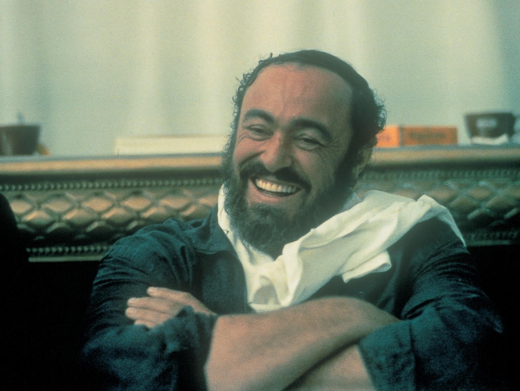 4758177_pavarotti_11.jpg
