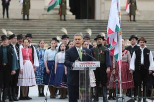 Történelem-hamisítás az Orbán beszédben