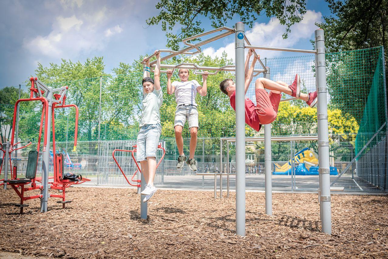 Zöldebb és játékosabb lett a megújult móravárosi Kolozsvári tér