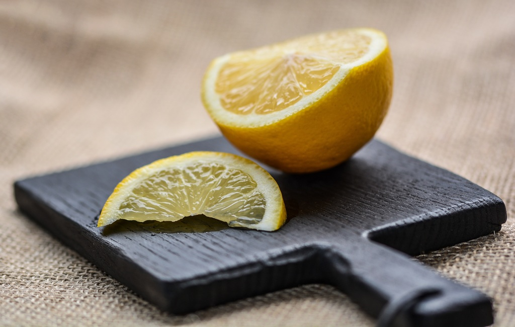 lemon-citrus-fruit-plant-wooden-slice-1418282-pxhere_com.jpg