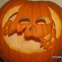 Kisgyerekes családok Halloween-t ünnepelnek