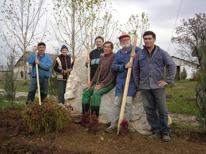 civilek-parkepites2011-aug-11.jpg