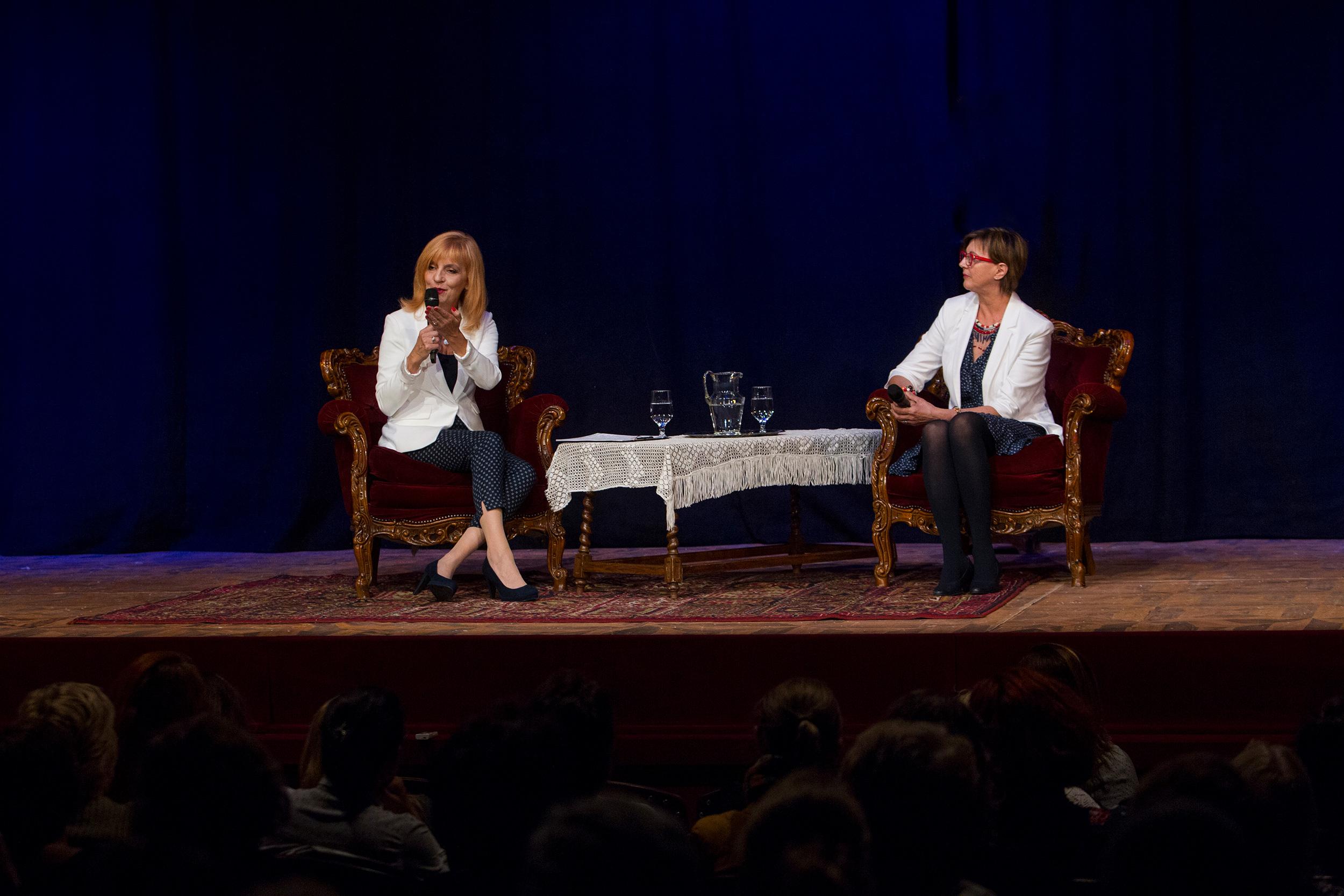 Két Femina Klub előadás között az Aréna Plázában megtalálsz minket