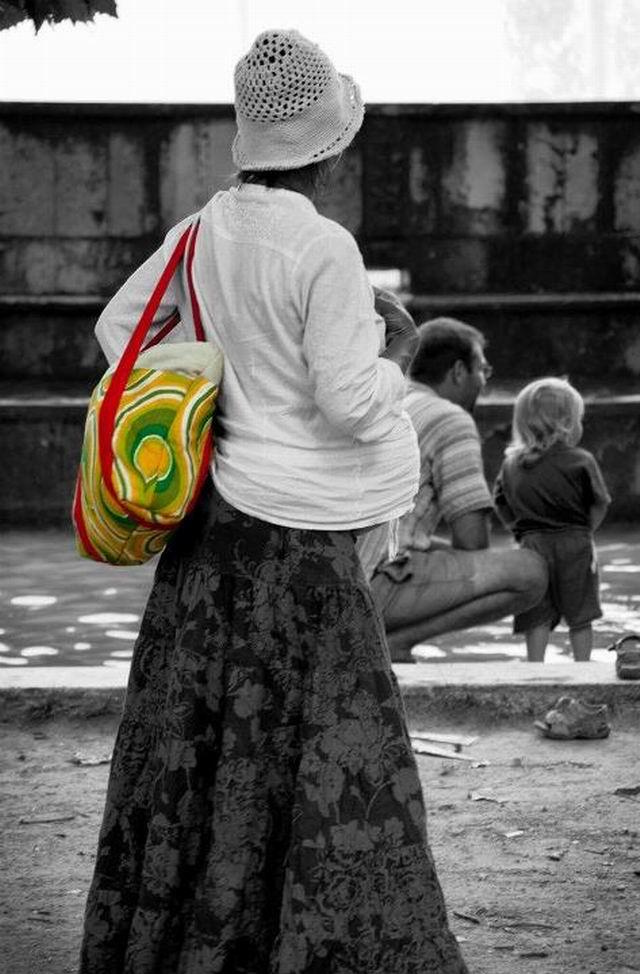 Szilda kismama táskát varr
