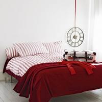 Lakberendezés mindenkinek: piros a hálószobában