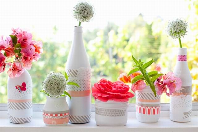 Csináld magad: színes vázák festett palackból
