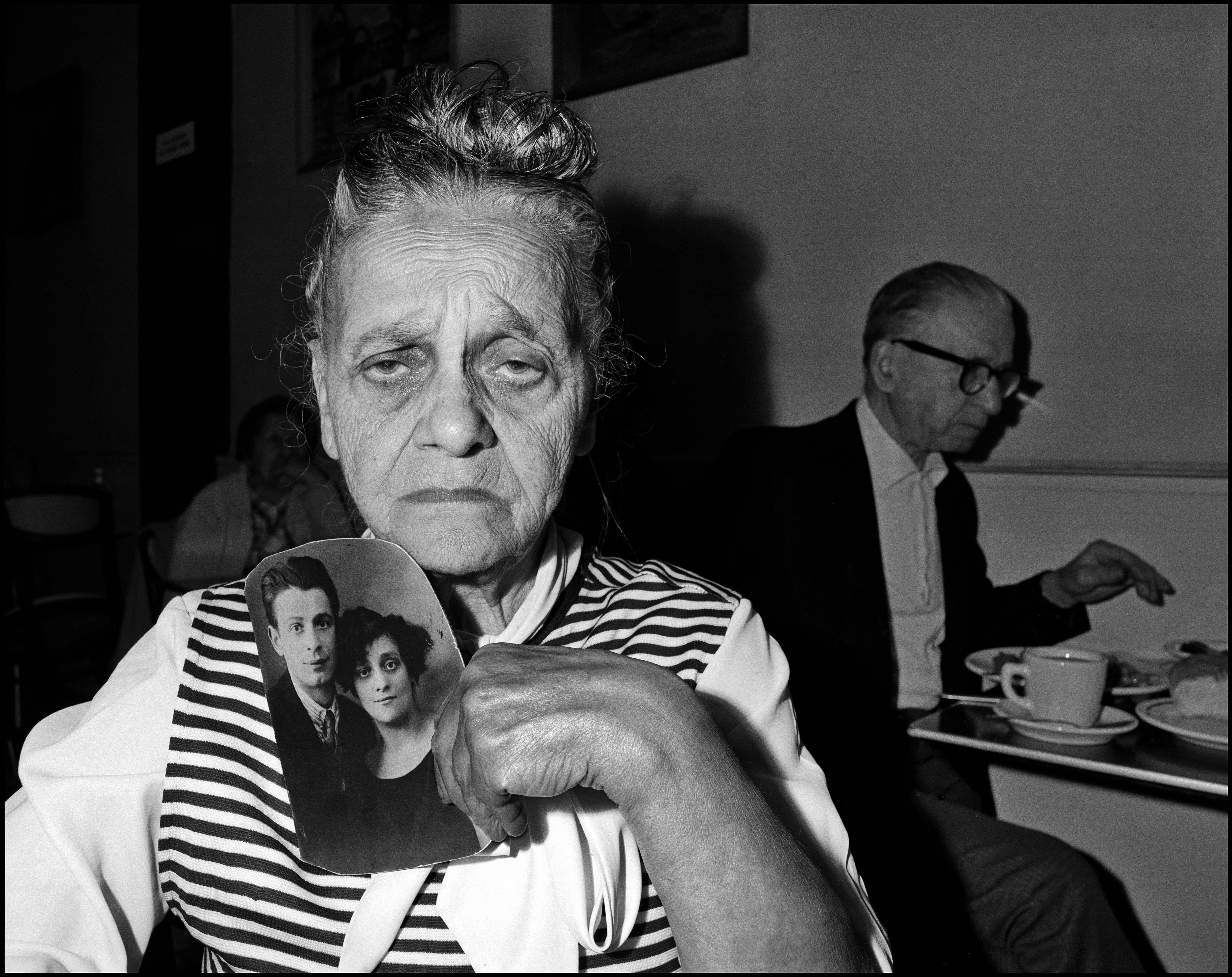 Bessie Gakaubowicz, Garden Cafeteria, New York, 1973-1976