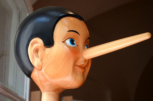 Szükségszerű hazugságok