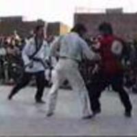 Íme, az ősi afgán kungfu. Vagy valami hasonló