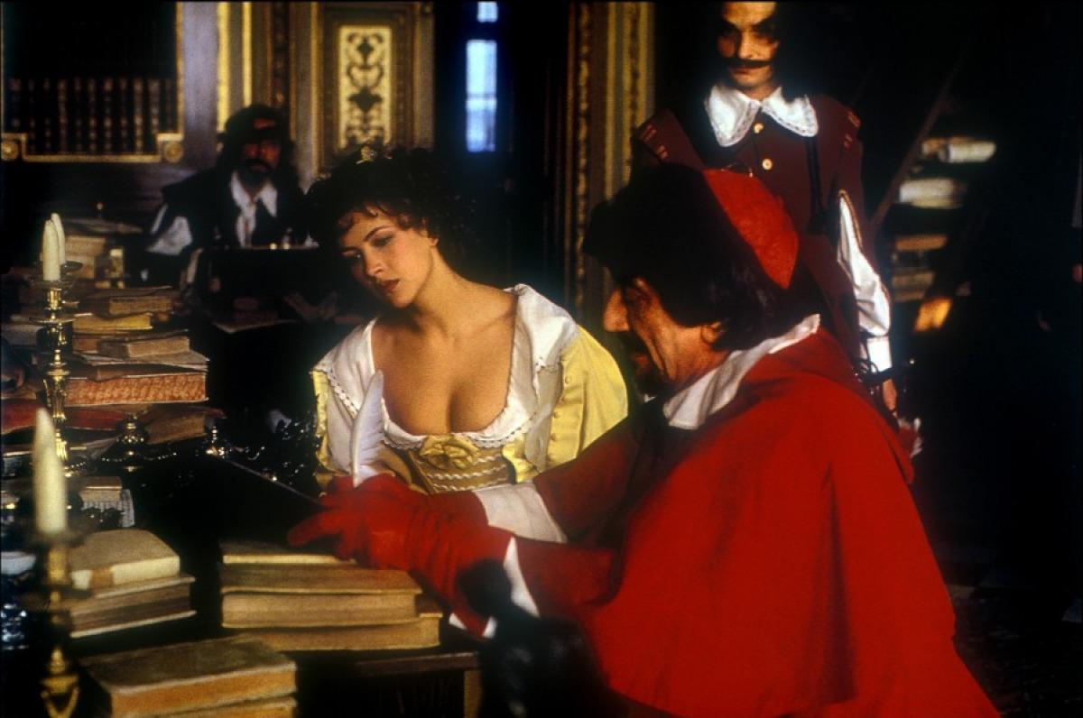 fille-de-d-artagnan-94-03-g_1.jpg