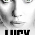 Lucy és a fekete öltönyösök!