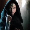 Csodálatosan fest Gal Gadot az első Wonder Woman-képen