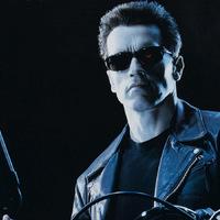 Bréking Nyúz: Jöhet a Terminátor-reboot? Ők esélyesek az új Zöld Lámpás szerepére. Forog a Bosszúállók 3-4 és a Tomb Raider. Újabb két színész a The Predatorban. Újraírják a The Flash forgatókönyvét.