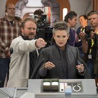30 forgatási fotó Az Utolsó Jedi-ről