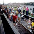 Akiért fél Amerika a sínekhez vonult
