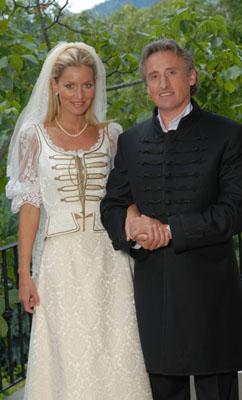 Hampel Kati díszmagyar esküvői ruhák